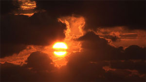 Sunrise-through-Clouds20130830sm